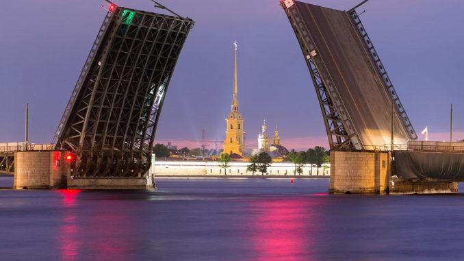 Из Москвы в Санкт-Петербург